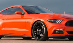 miguel-competition-orange-ford-mustang-gt-competition-pak-concave-rotary-forged-flow-formed-gloss-black-r-spec-wheels-front-quarter-blog-banner